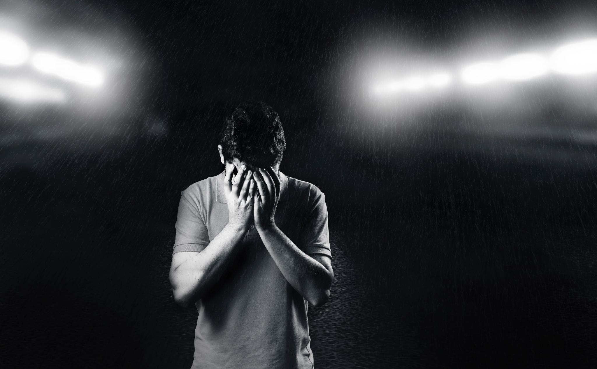 shalom101-shame-alone-black-and-white-